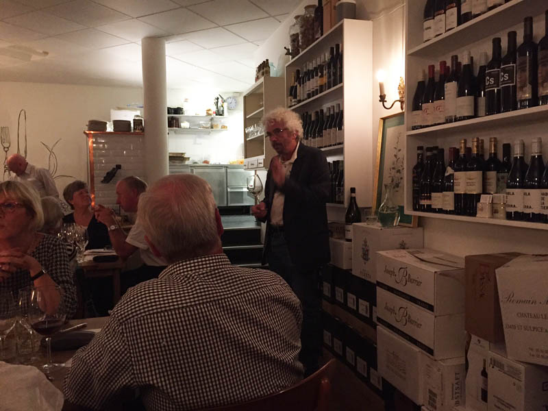 Steen Fiil fortæller om vinene