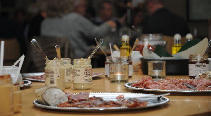 En piemontisk aften med Piemonte Jørgen og smukke Bella