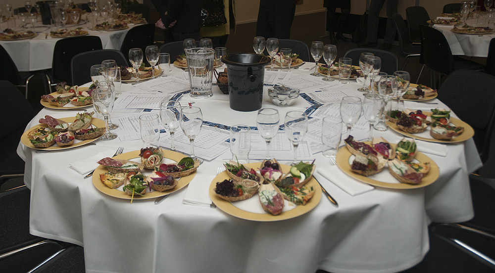 Toscavini bordet er dækket